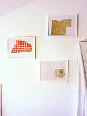 Wohnblock-Interieur #1-3 _ Acryl / Bleistift auf Tapete |  je 30x40cm (Rahmen), 2013
