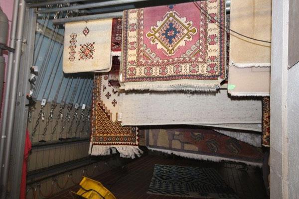 Trockenraum. Hier werden die Teppiche schonend getrocknet.