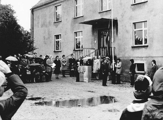 """(0643) Fahnenappell zur Namensgebung für die Schule """"POS Erich Freitag"""", 6. Oktober 1978"""