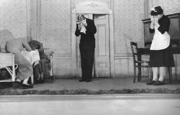 """(0487) Theateraufführung in der Gaststätte Ney, """"Ich seh's an deiner Stirne"""", Sieglinde Imm und Manfred Koch"""