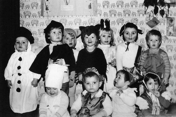(0416) Kinder, Kinderkrippe, 1984