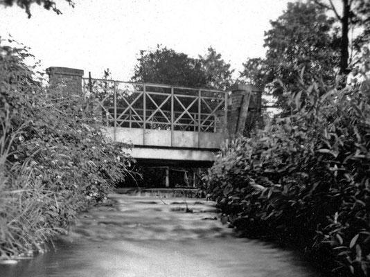 (0037) Fließ und Brücke, vor 1945