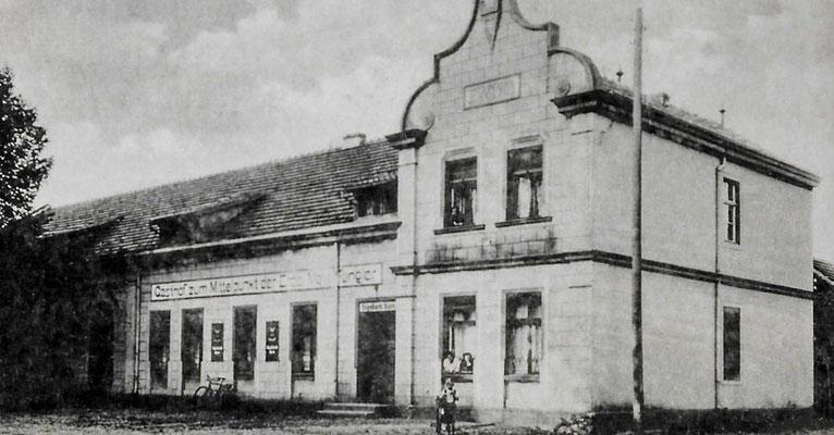 """(261) """"Gasthof zum Mittelpunkt der Erde Max Fengler"""", 1941"""