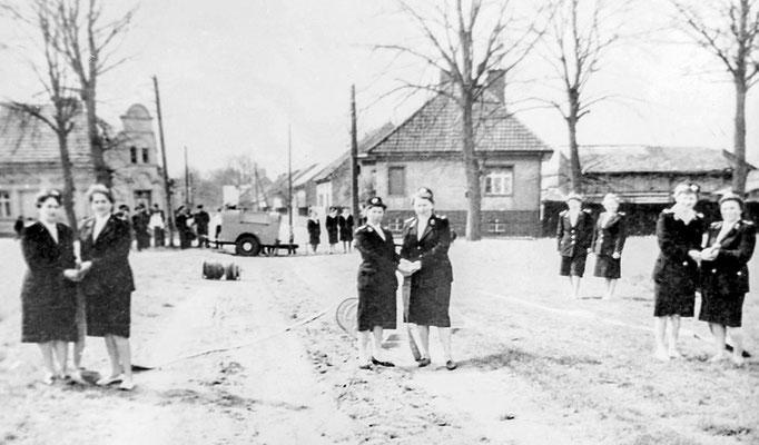 (306) Frauengruppe der Feuerwehr, 1960er Jahre