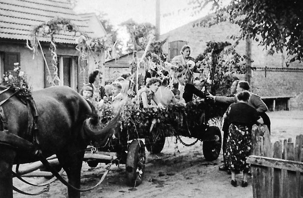 (0061) Erntefest, Anfang der 1960er Jahre