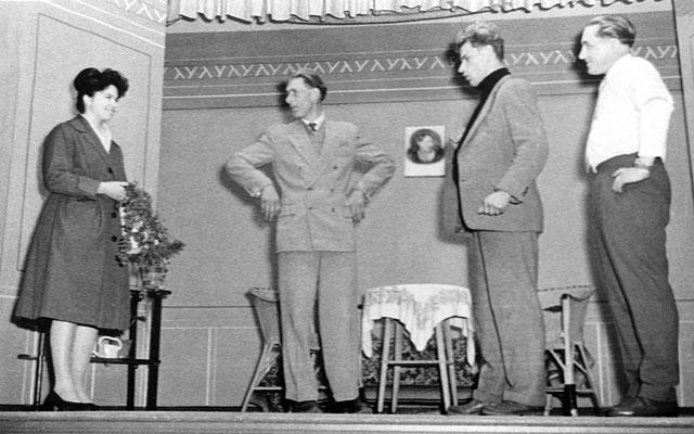 """(0505) Theateraufführung in der Gaststätte Ney, """"Tante Jutta aus Kalkutta"""" oder """"Die vier Brummers"""""""
