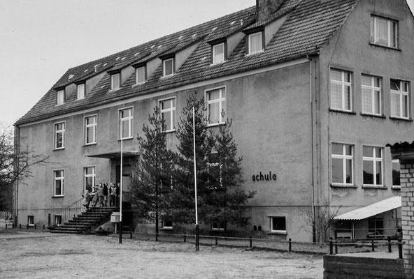 (0142) Schule
