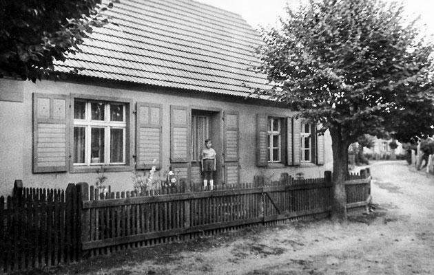 (0172) Haus von Familie Pittack, Alter Kietz, Ende 1950er Jahre (Reinhard Pittack)