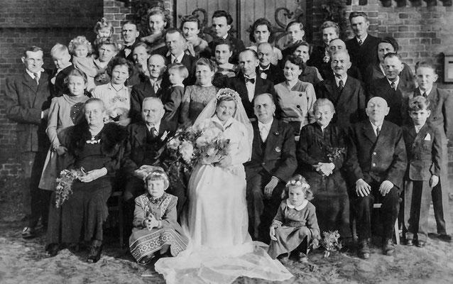 (0199) Hochzeit Heinz Christians und Erika Strempel, 1954