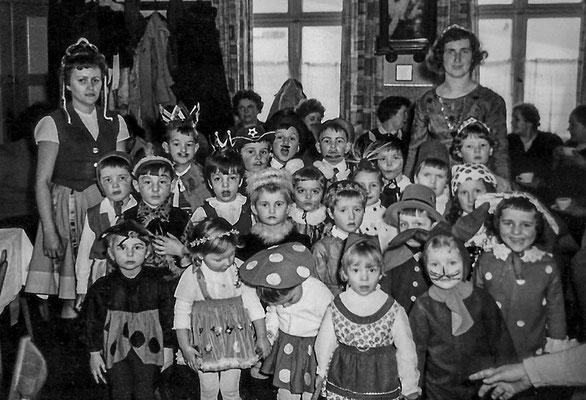 (0435) Kinder