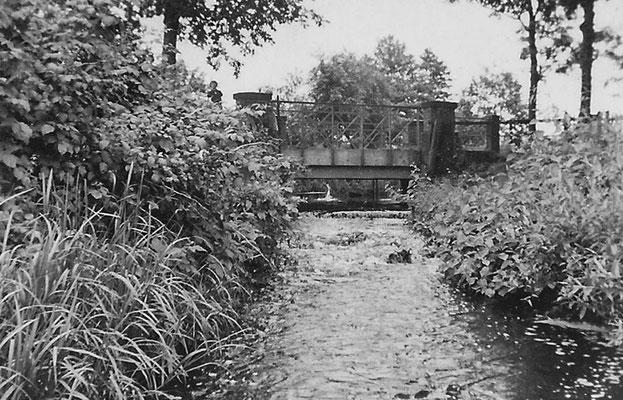 (0020) Fließ und Brücke, vor 1945