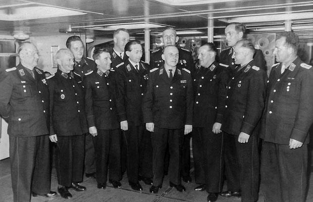 (325) Veranstaltung in Potsdam zur Auszeichnung der besten Freiwilligen Feuerwehren der Gemeinden, 1964