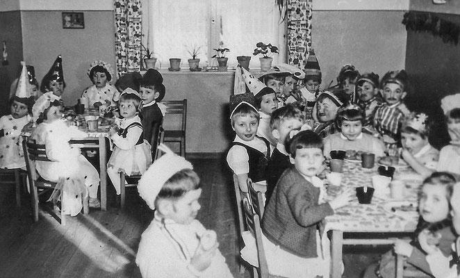(0456) im Kindergarten, um 1960