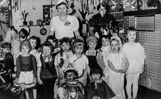 0150 Kindergarten, um 1986; Sieglinde Imm, Anni Kulicke