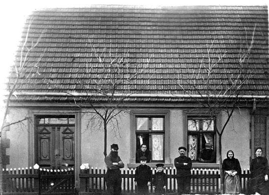 (0212) Dorfstraße 8, Familie Paul Ney, um 1920