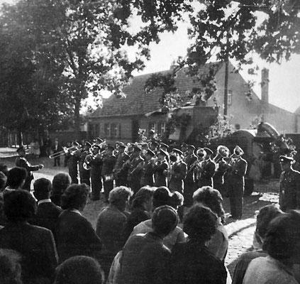 (0074) Erntefest, Anfang der 1960er Jahre, NVA-Orchester Potsdam