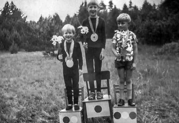 (0444) Kinder, um 1970