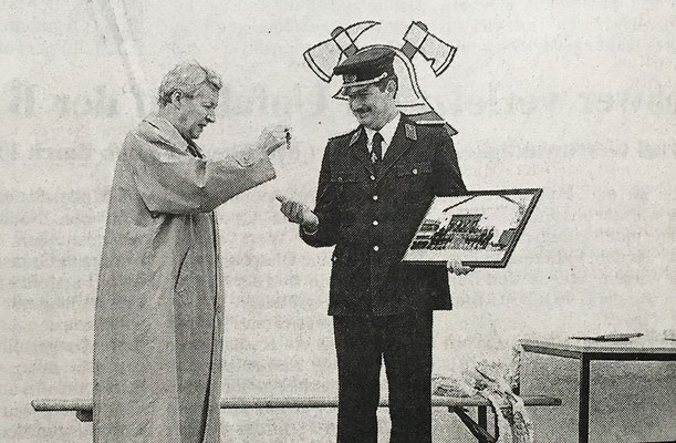 (380) Übergabe des neuen Feuerwehrgerätehauses 1998