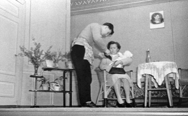 """(0506) Theateraufführung in der Gaststätte Ney, """"Tante Jutta aus Kalkutta"""" oder """"Die vier Brummers"""""""