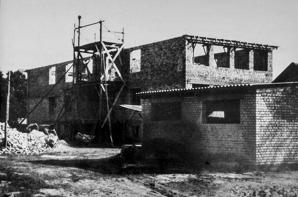 (0157) Bau der Schule