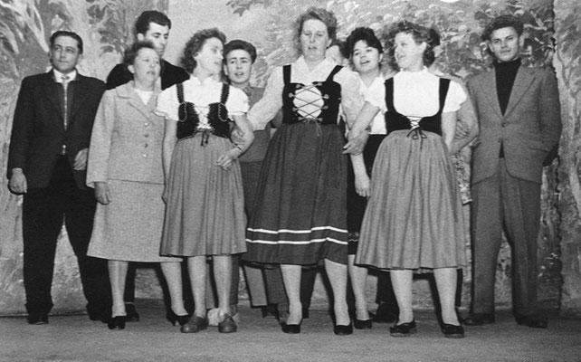 (0488) Theateraufführung in der Gaststätte Ney