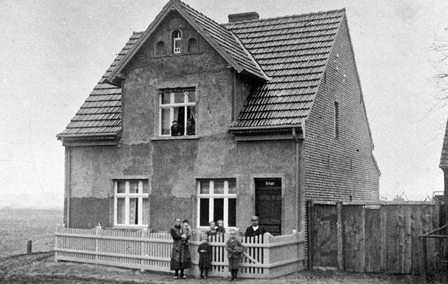 (0171) Neubau von Otto Krugler, 1926 (später Lebensmittelgeschäft Krugler, dann Stelter)