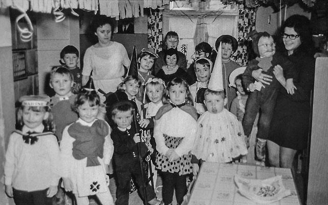 (0437) im Kindergarten, um 1965