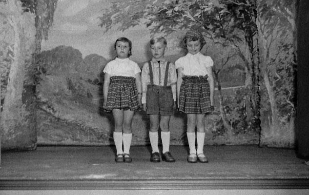 (0455) Theateraufführung in der Gaststätte Ney, um 1962