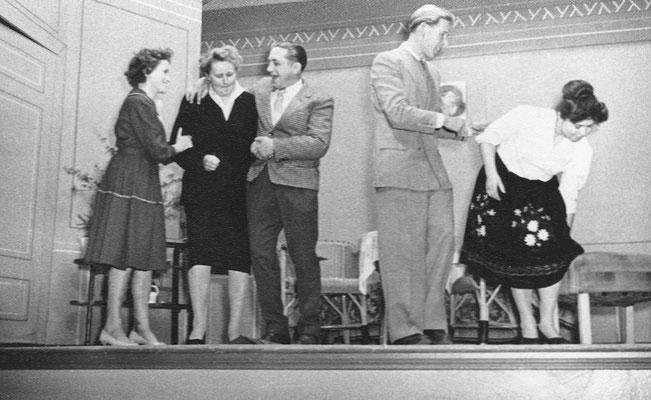 """(0504) Theateraufführung in der Gaststätte Ney, """"Tante Jutta aus Kalkutta"""" oder """"Die vier Brummers"""""""