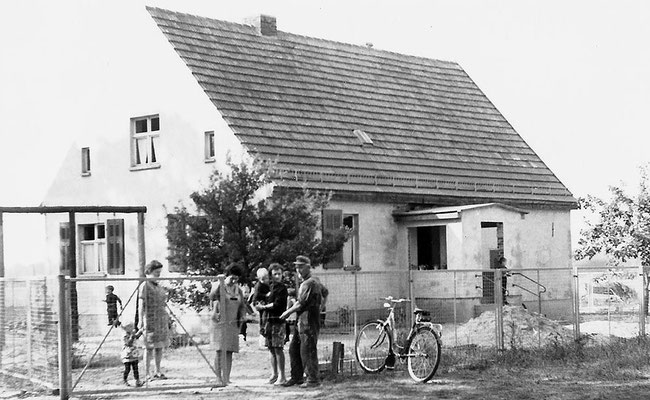 (136) Kindergarten, 1969