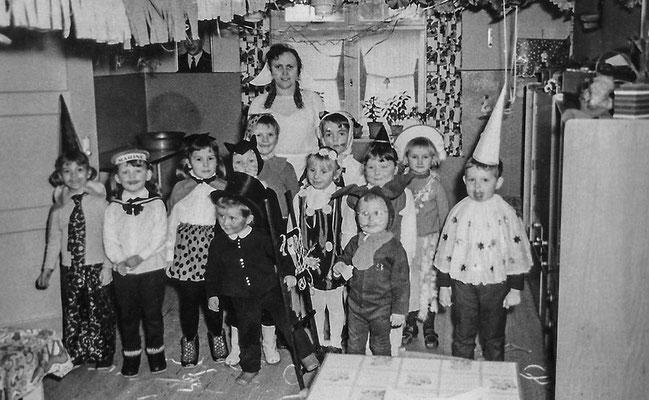(0436) im Kindergarten, um 1965