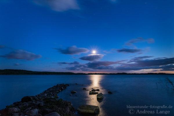 Mond überm Parsteinsee