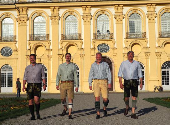 Trachtenhemden Arzberger, Max Wölfl, Hirschlederhose München