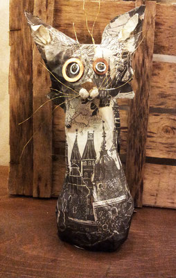 Cat - Paper maché, wire, beads [SOLD]