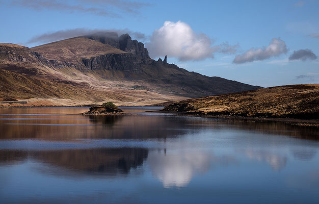 Lake  Leathan und Old Man of Storr