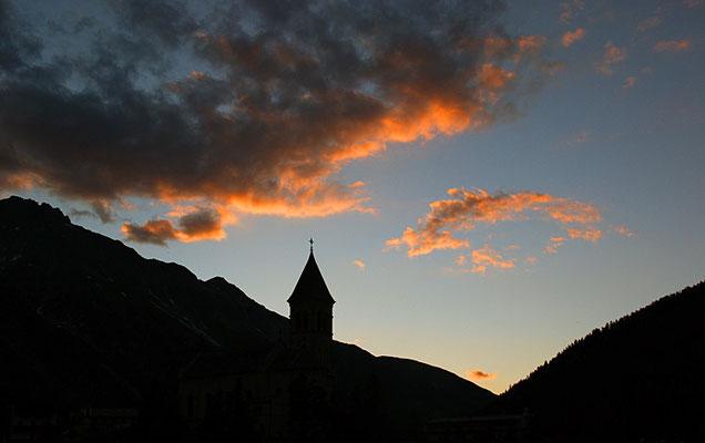 Kirche im Abendlicht I