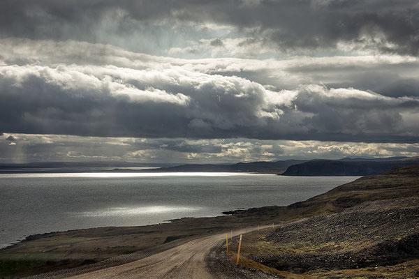 Westfjorde Galmaströnd an der 68