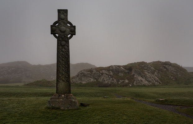 St. Martins Cross (keltisches Kreuz) vor der Iona-Abbey