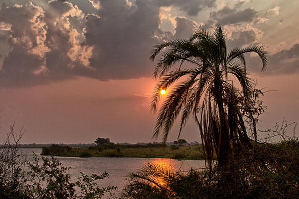 Abendhimmel am Chobe - Blick aus unserem Bungalow