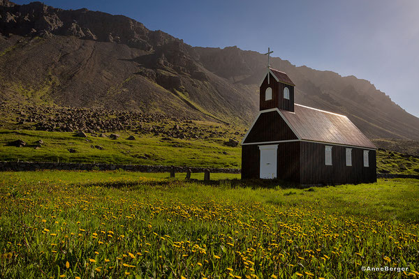 Saurbaer - Kirche am Raudasandur