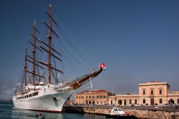 im Hafen von Syrakus
