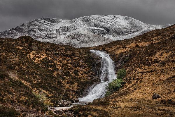 Black Hill Waterfall beim Loch Ainort, Skye