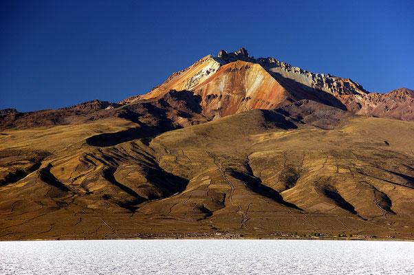 Salar Uyuni und der Vulkan Tunupa II