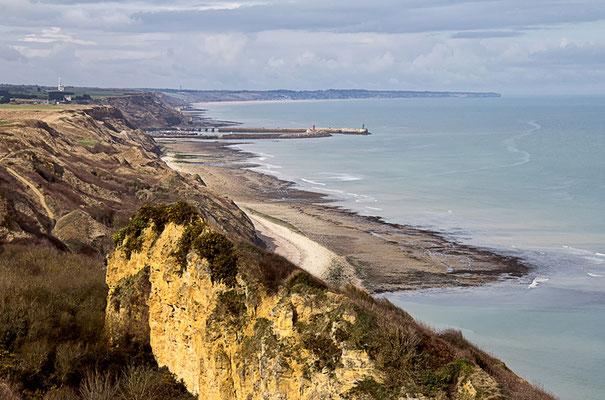 Am Kliff - Blick auf den Hafen von Port en Bessin