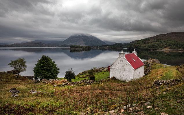 Weißes Haus am Loch Torridon