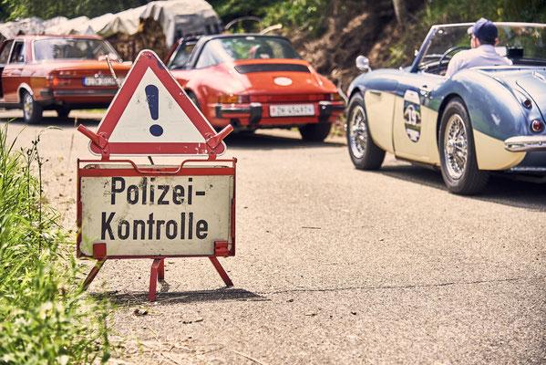 Polizeimuseum macht Polizeikontrolle bei Oldtimerveranstaltung
