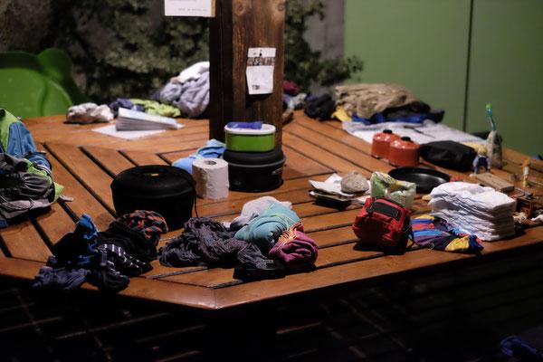 How to pack. Eine schwierige Aufgabe wenn man vom eh schon reduzierten Gepäck noch mehr reduzieren muss