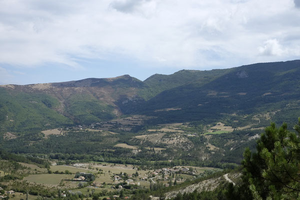 Dieses Bild beschreibt die Landschaft der Gegend im großen und ganzen ziemlich gut.