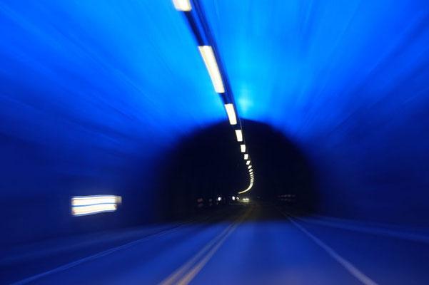 seid ihr schonmal durch einen 24km langen Tunnel gefahren?