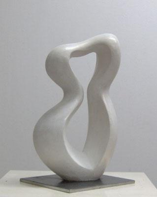 """Violinistin"", 2010, 36 x 21 x 12cm, Steinguß"